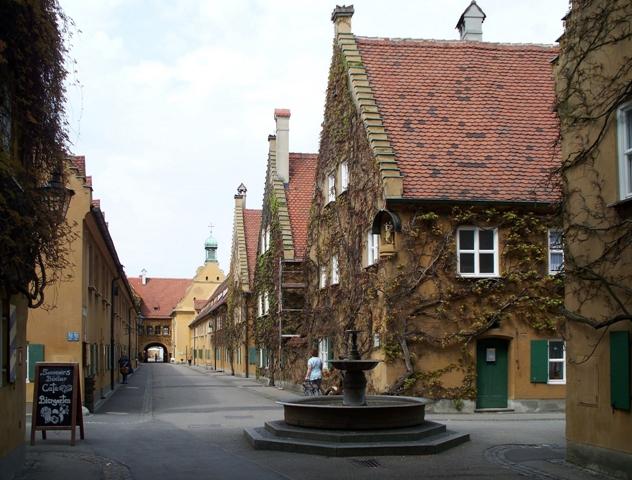 Augsburg Herrengasse,_Fuggerei